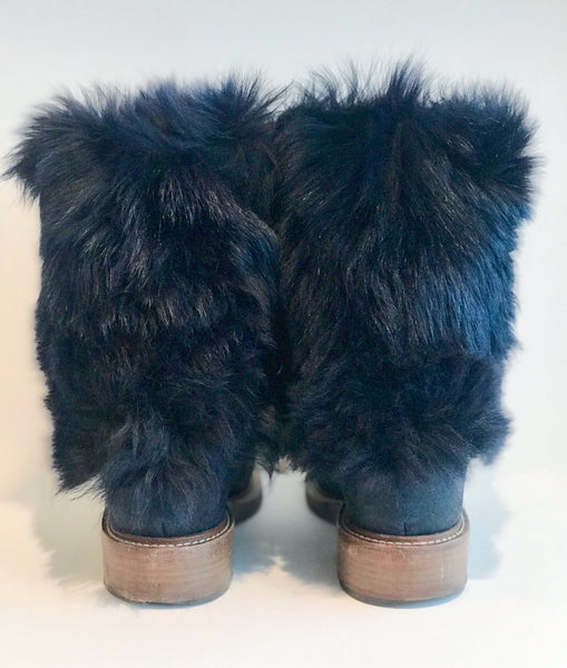 Chanel Fur Boots Navy Blue Back of Shoes