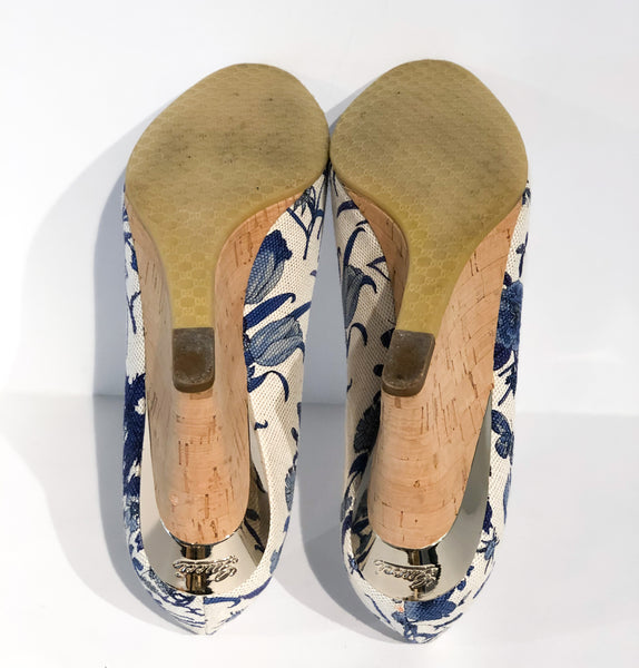 Gucci Floral Wedges Blue and White Bottom of Shoes