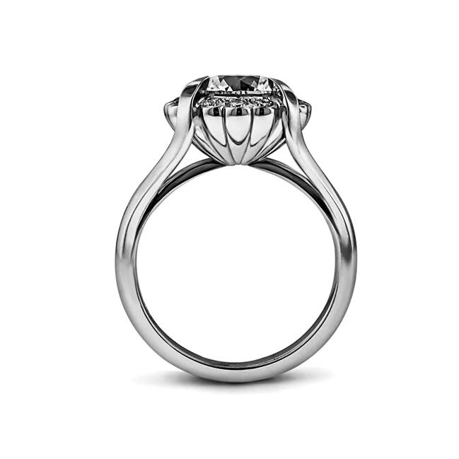 Round diamond halo ring in 18k white gold