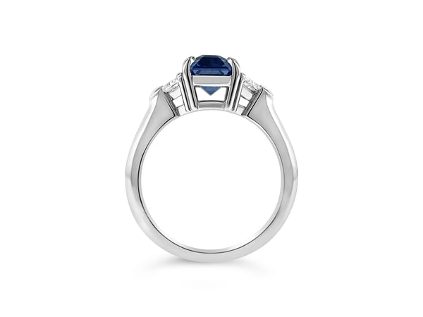 Sapphire and diamond ring in Platinum