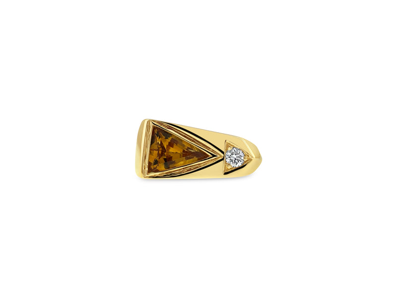 Citrine and round diamond ring in 18k yellow gold
