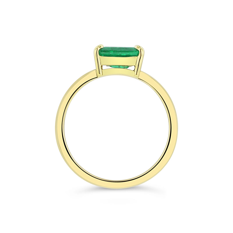 Emerald solitaire ring in 18k yellow gold
