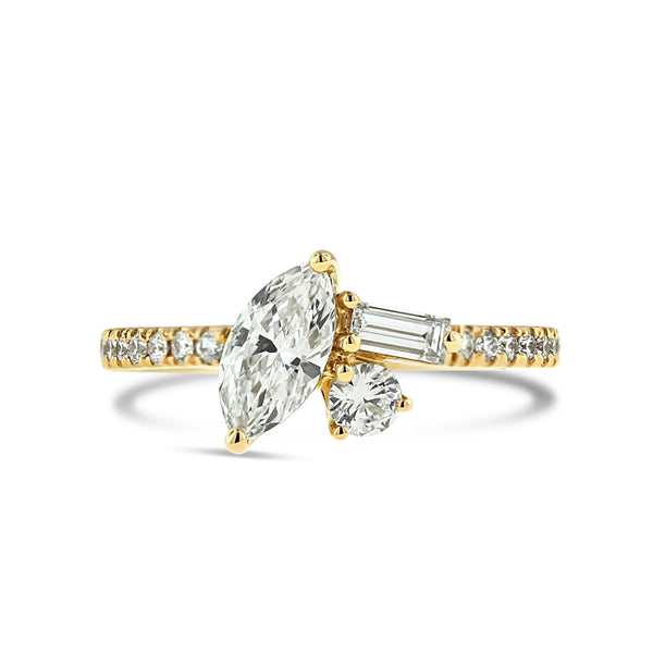 Mixed diamond ring in 18k yellow gold