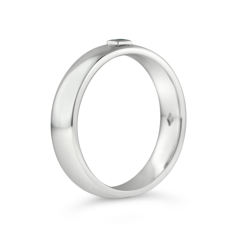 BEZEL SET EMERALD RING IN PLATINUM