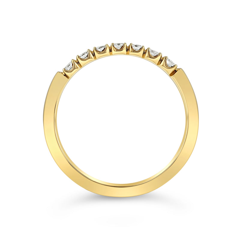 SCALLOPED ROUND DIAMOND BAND IN 18K YELLOW GOLD