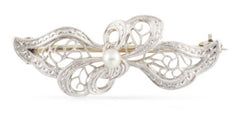 Edwardian Filigree Bow With Pearl