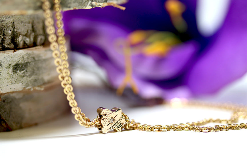 Vintage Victorian Yellow Gold Necklace With Rough Diamond