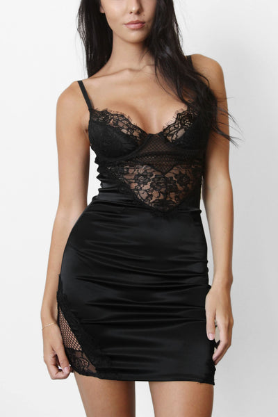 WIN THE LACE MINI DRESS