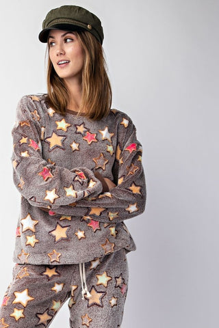 THE SNUGGLE IS REAL STAR PULLOVER