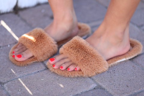 SUPER SOFT FURRY SLIDES - TAN