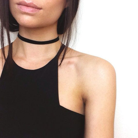 THIN BLACK VELVET CHOKER