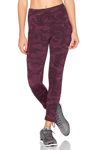 THE FLYNN SHORT LEGGING - CAMO