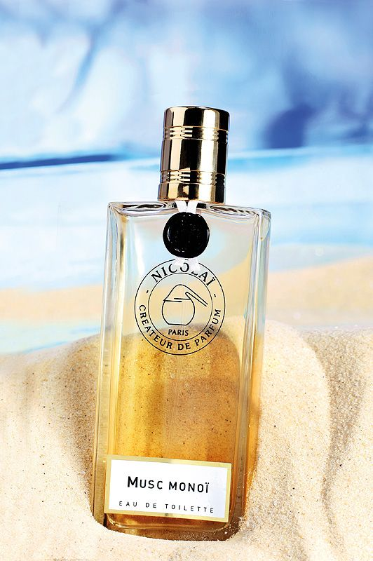 Parfums de Nicolai Musc Monoi Eau de Toilette in the sand