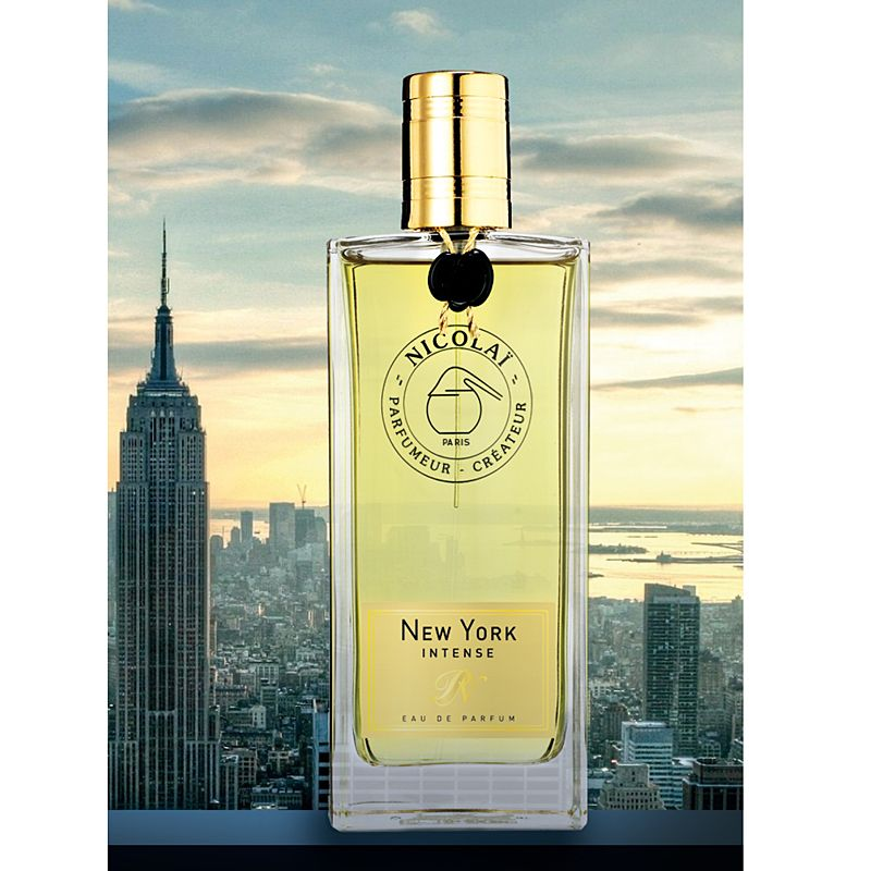 Parfums de Nicolai New York Intense Eau de Parfum 100 ml with new york city in background