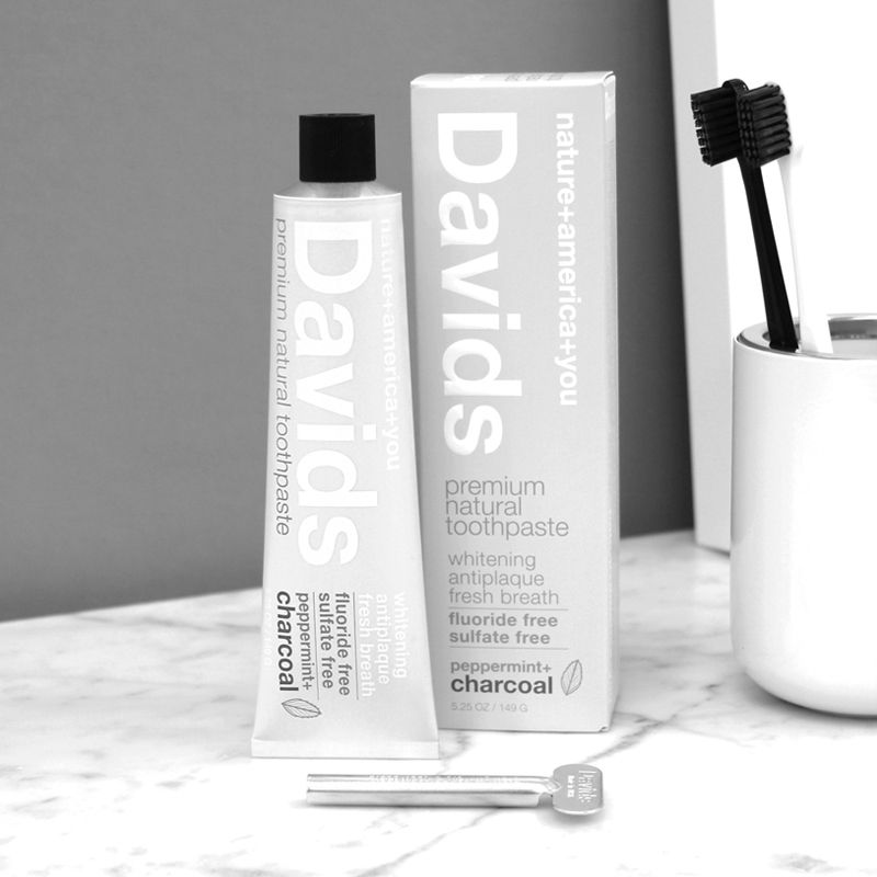 Davids Premium Natural Toothpaste - Peppermint+Charcoal (5.25 oz) Beauty Shot