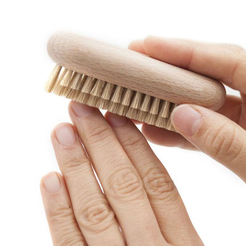 Andree Jardin Tradition Beech Nailbrush with hands