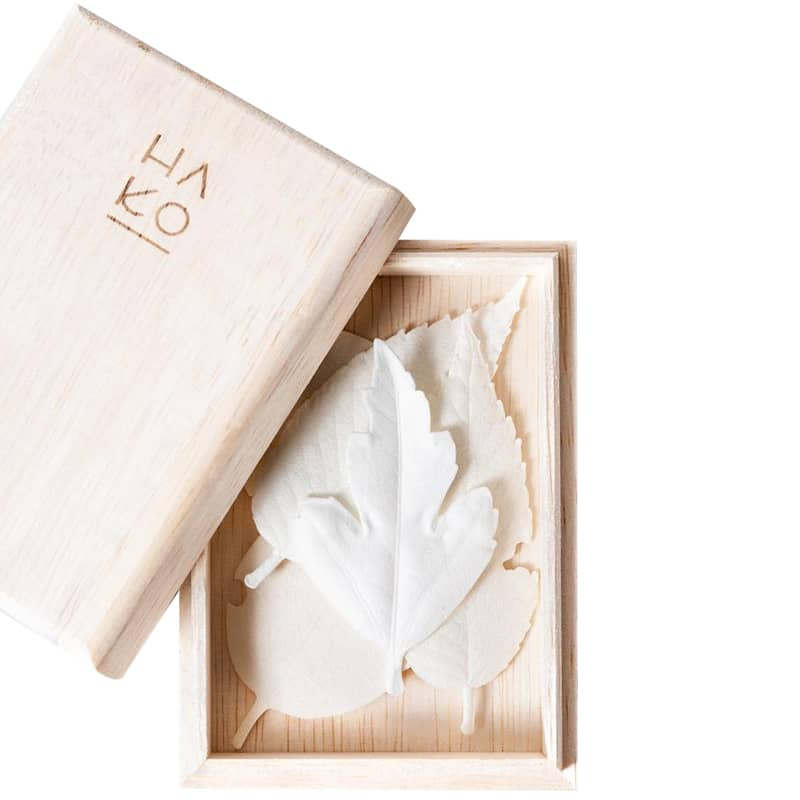 Morihata HA KO Paper Incense Wooden Box Set of 5 with Mat - leaves in box with lid to the side