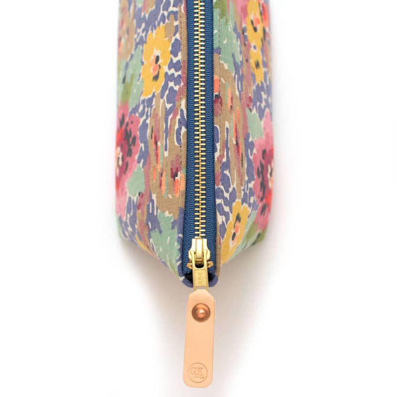 General Knot & Co. Vintage Indian Head Floral Travel Clutch - zipper detail close-up