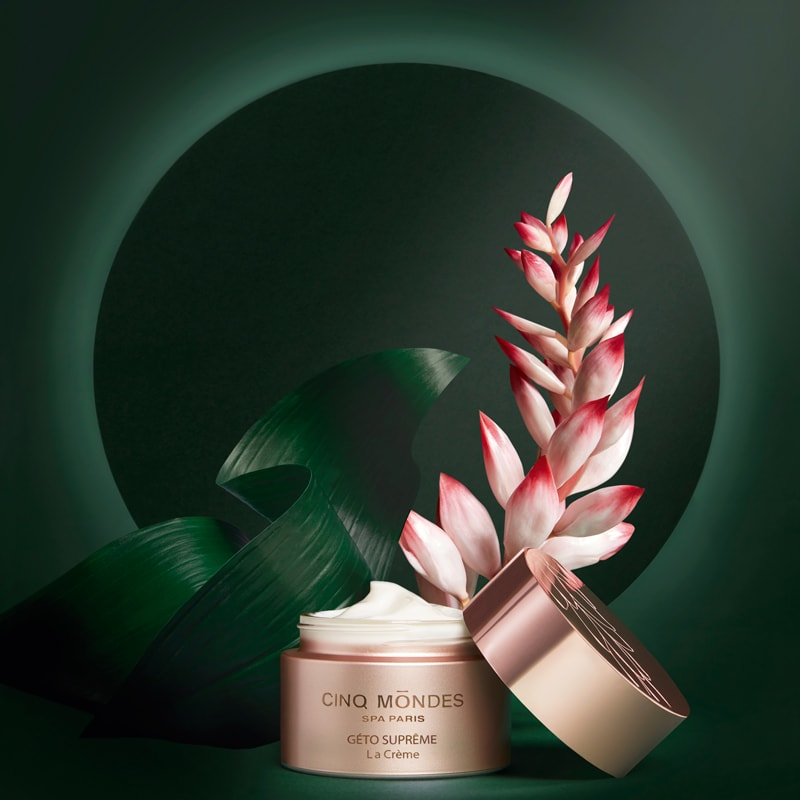 Cinq Mondes Geto Supreme The Cream beauty shot with plants