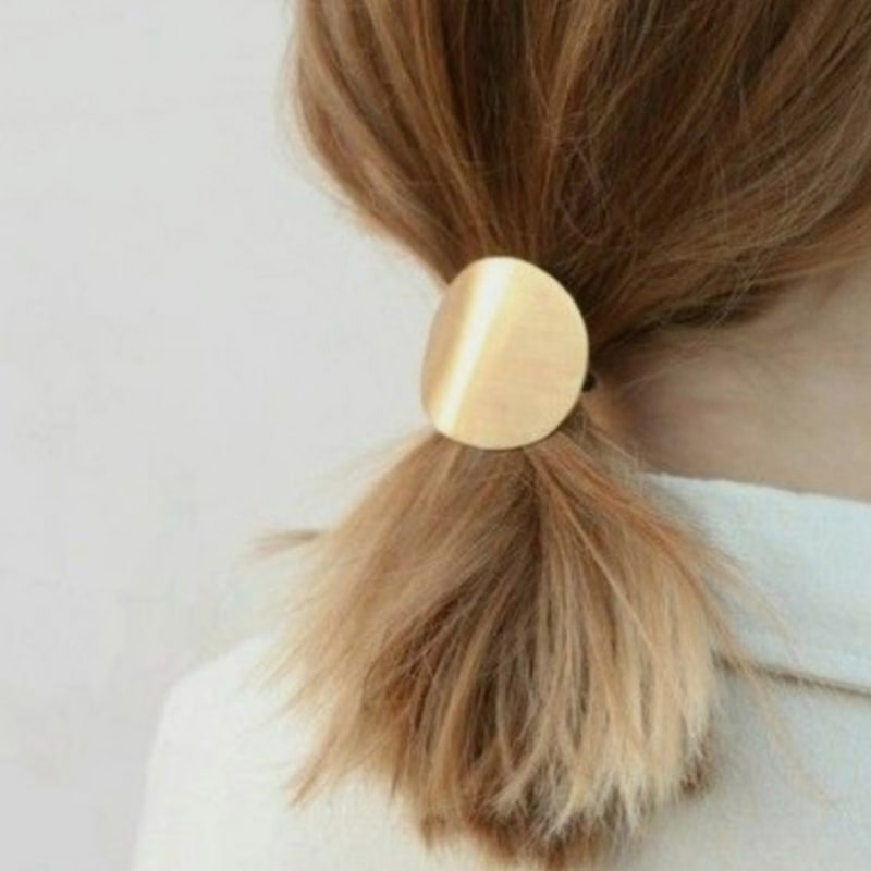 Bachca Elastic with Round Metal Charm in model's hair