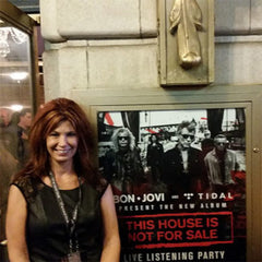 Fan of the Month August 2017 - LYNN B.