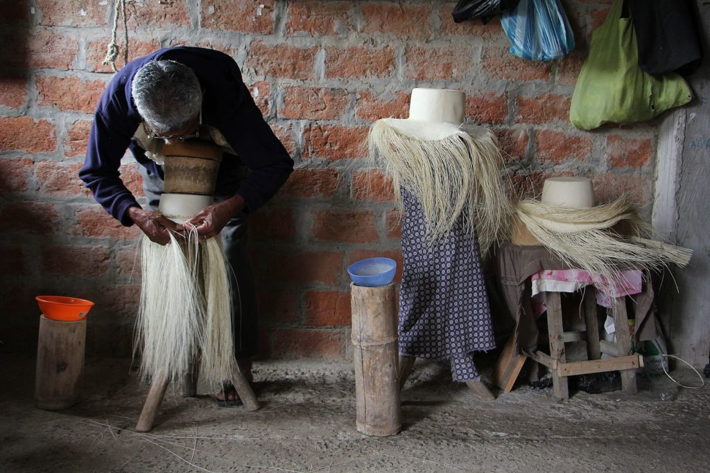 Weaving the Crown and Brim