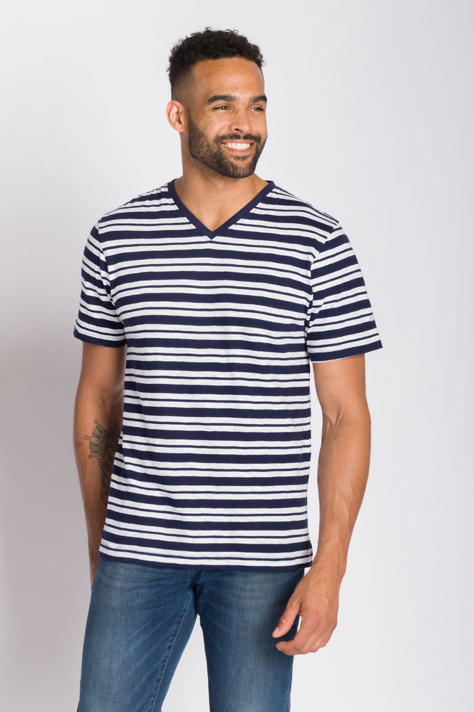 Voyager | Men's Slub V-Neck Shirt