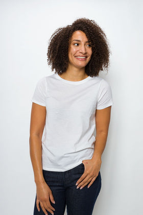 Daffodil Unbranded | Women's Logo-less Pocket-less Tee