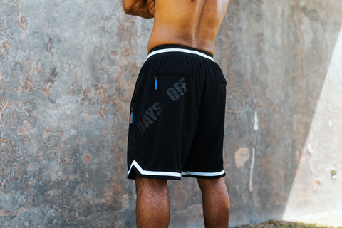 BASKETBALL SHORTS IN BLACK