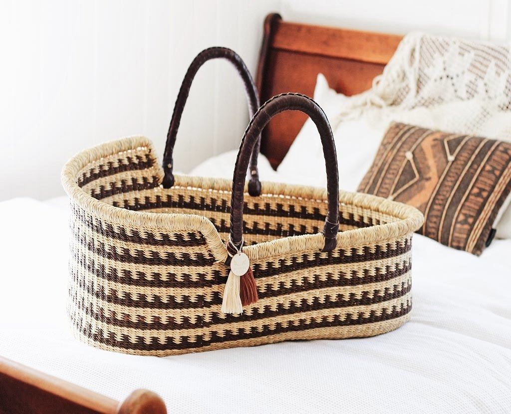 'Canyon' (Brown) Moses Basket  - (mattress included)