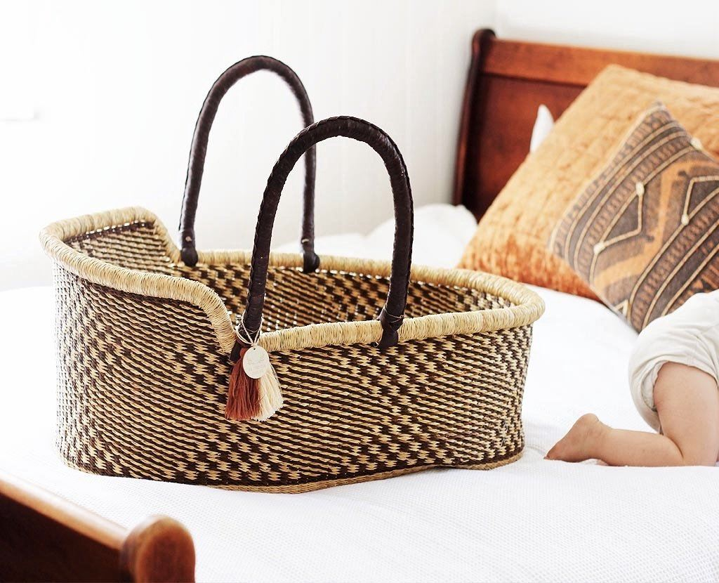 'Oakley' Moses Basket  - (mattress included)