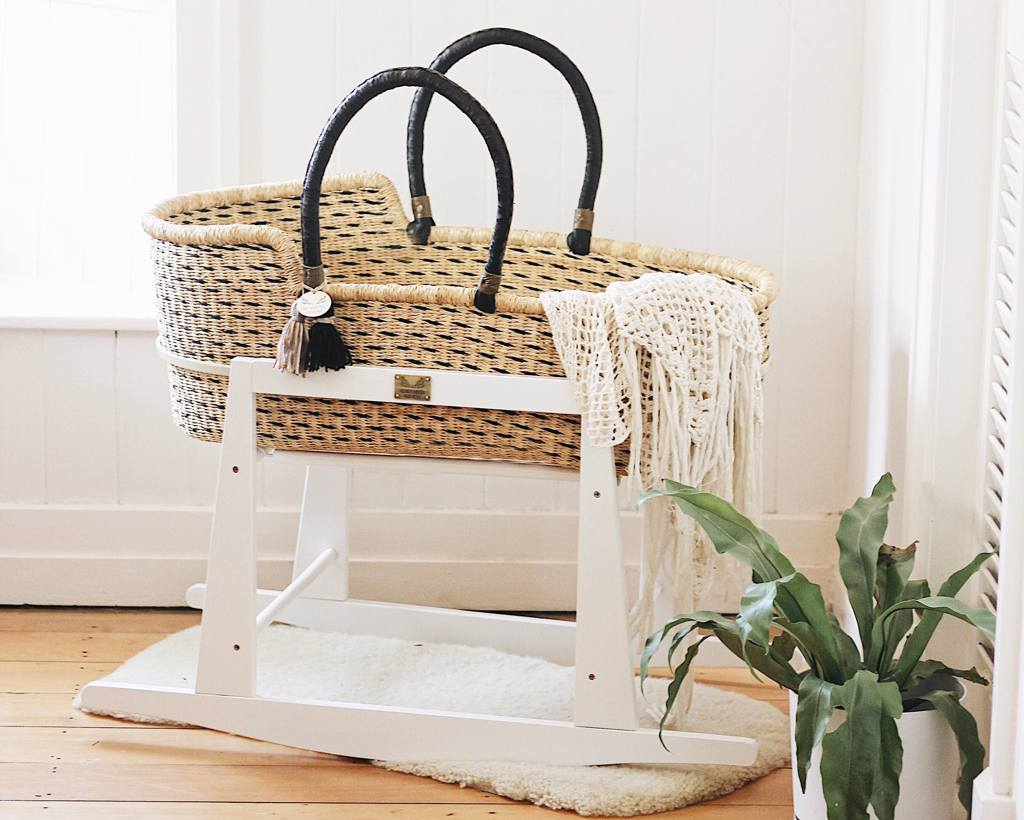 Moses basket with stand white