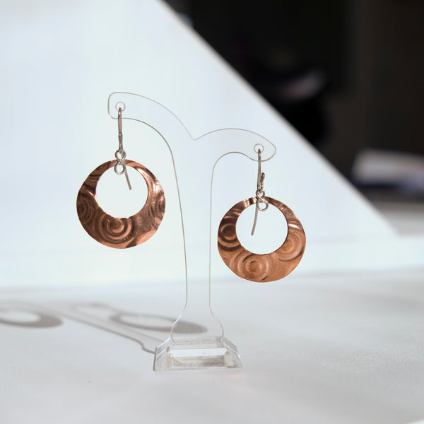 Copper round patterned earring