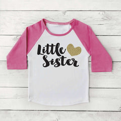 Little Sister Shirt Baby Announcement Shirt Girl Sibling Shirts New Baby Announcement Shirt Little Sister Raglan Gold Glitter Heart 037 - Bump and Beyond Designs
