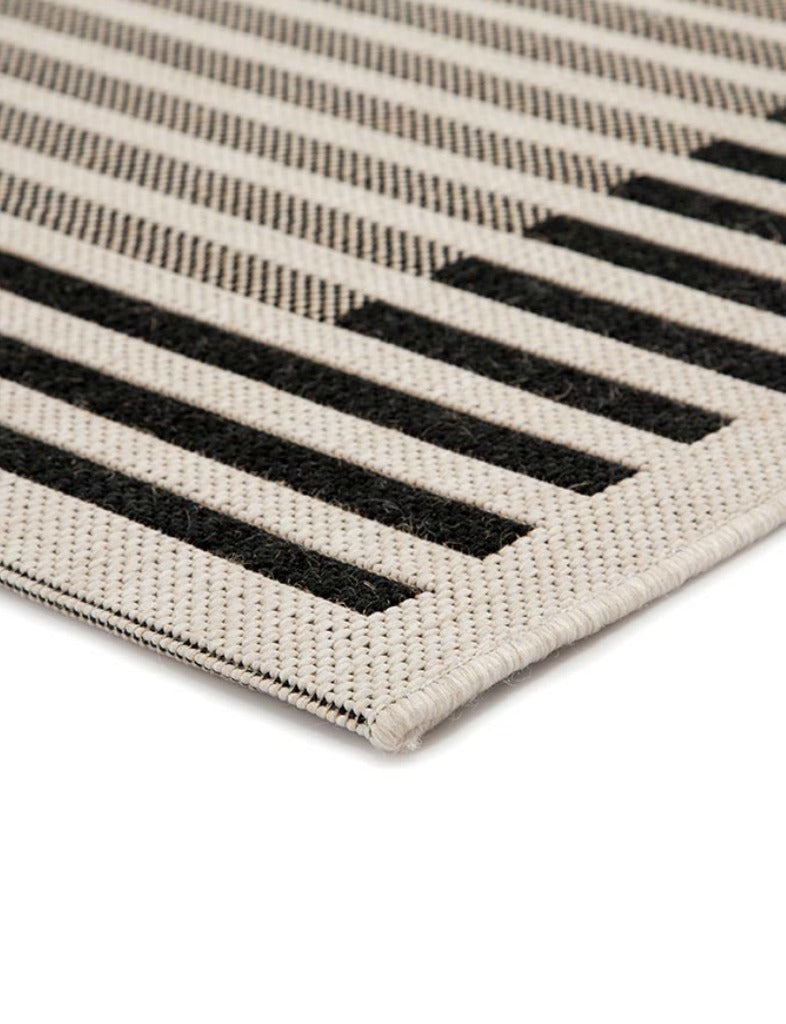 Covell Indoor/Outdoor Rug
