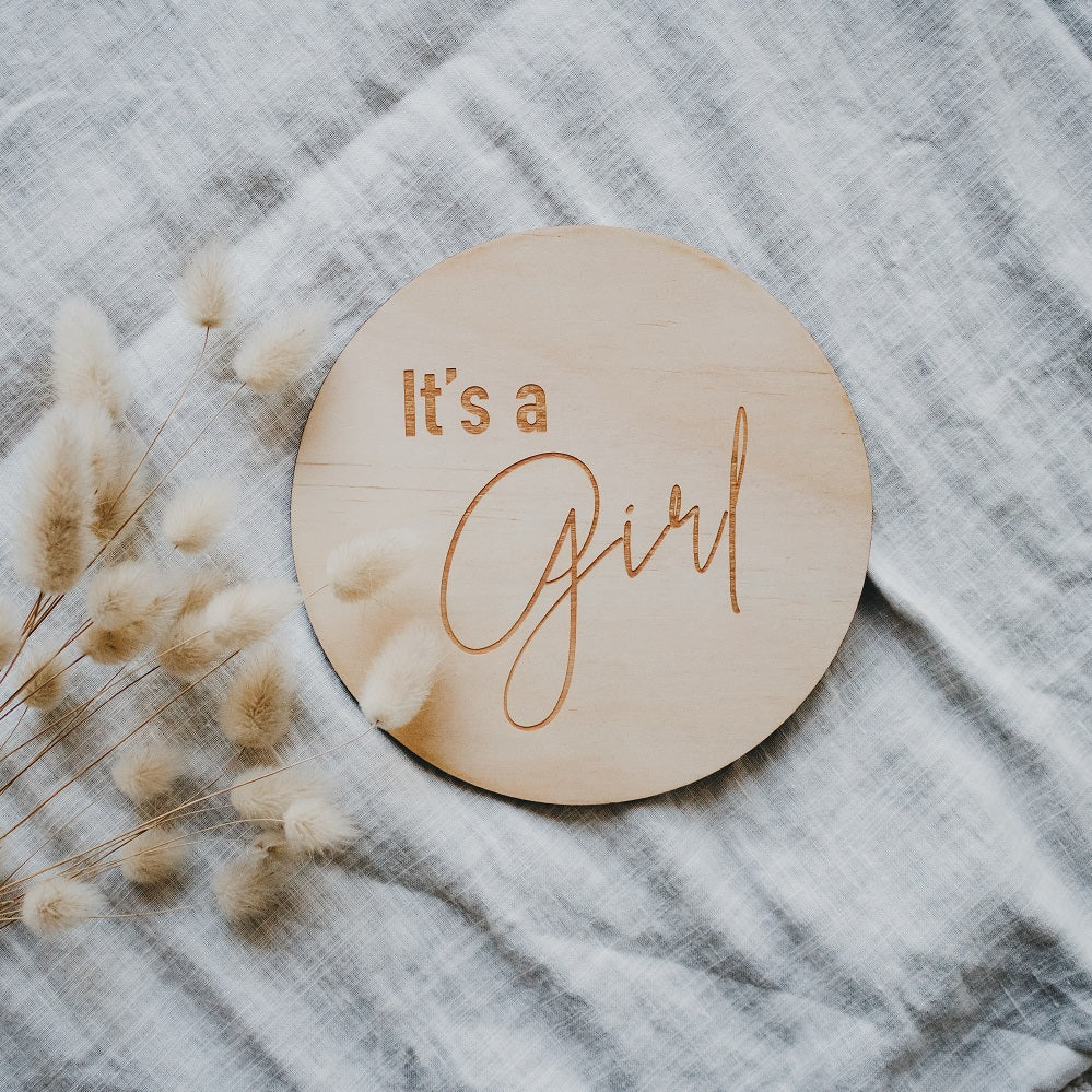 'It's A Girl' Single Wooden Announcement Disc