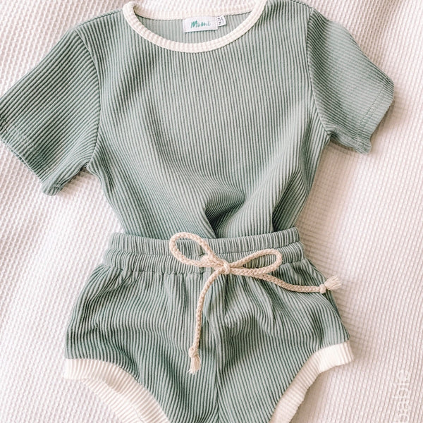 Sage Oakie Set (last one, size 3-4 years)
