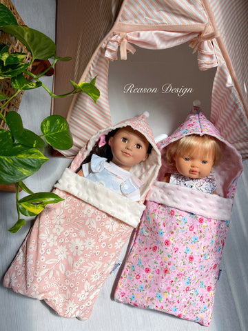 Doll sleeping bag with hood