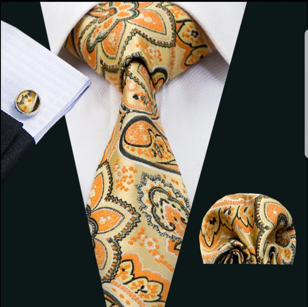 Beautiful intricate Orange Patterned Men's Tie, Pocket Squares & Cufflinks Set.