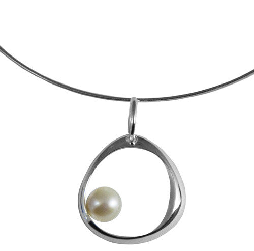 Single Linx Pendant w/Pearl