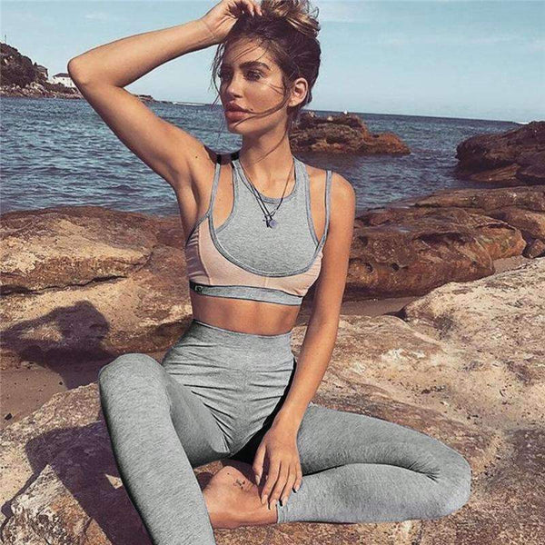 Beautiful Yoga Clothing Bra And Leggings Set.