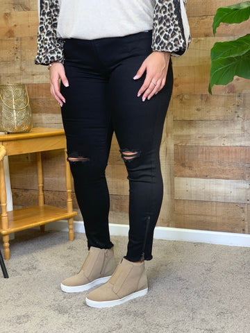 Becca High Rise Black Skinny Jeans