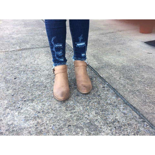 New Zealand Distressed Ankle Jeans