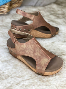 Volta Shimmer Brown Wedge