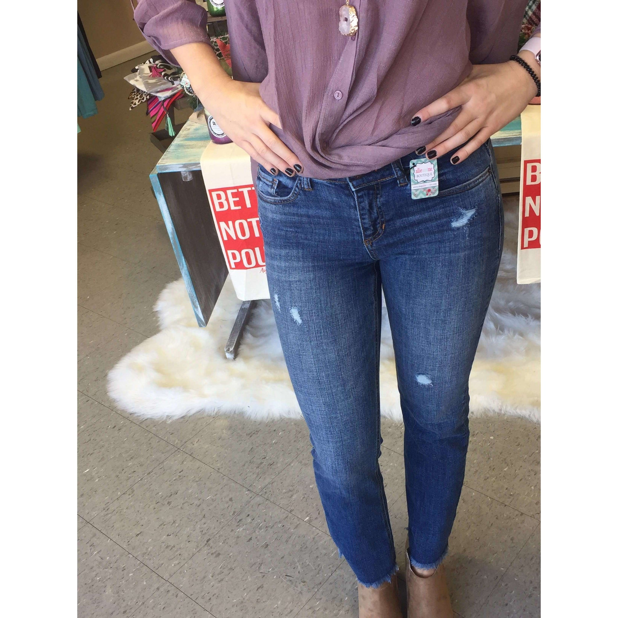 Dothan Bottom Frayed Crop Jeans