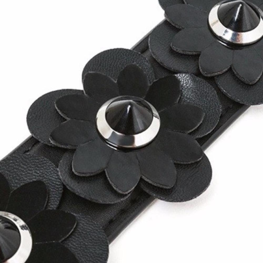 Black Leather Flower Strap