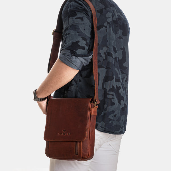 Men Vintage Leather Crossbody Shoulder Bag | Finelaer