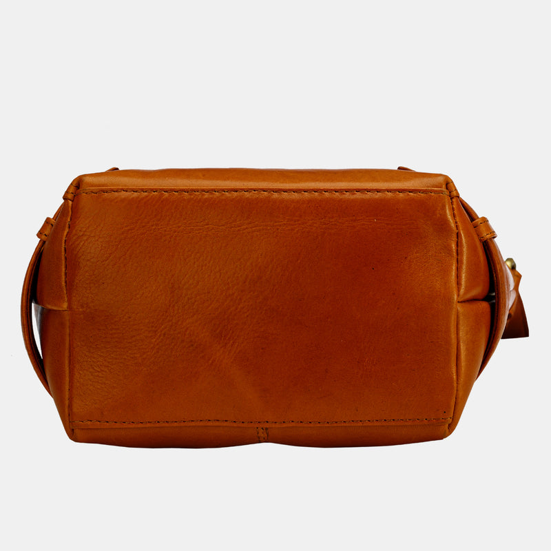 Women Soft Leather Crossbody Bag by Finelaer