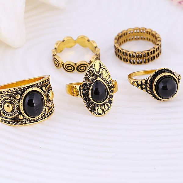Blue Stone Ring Set In Gold