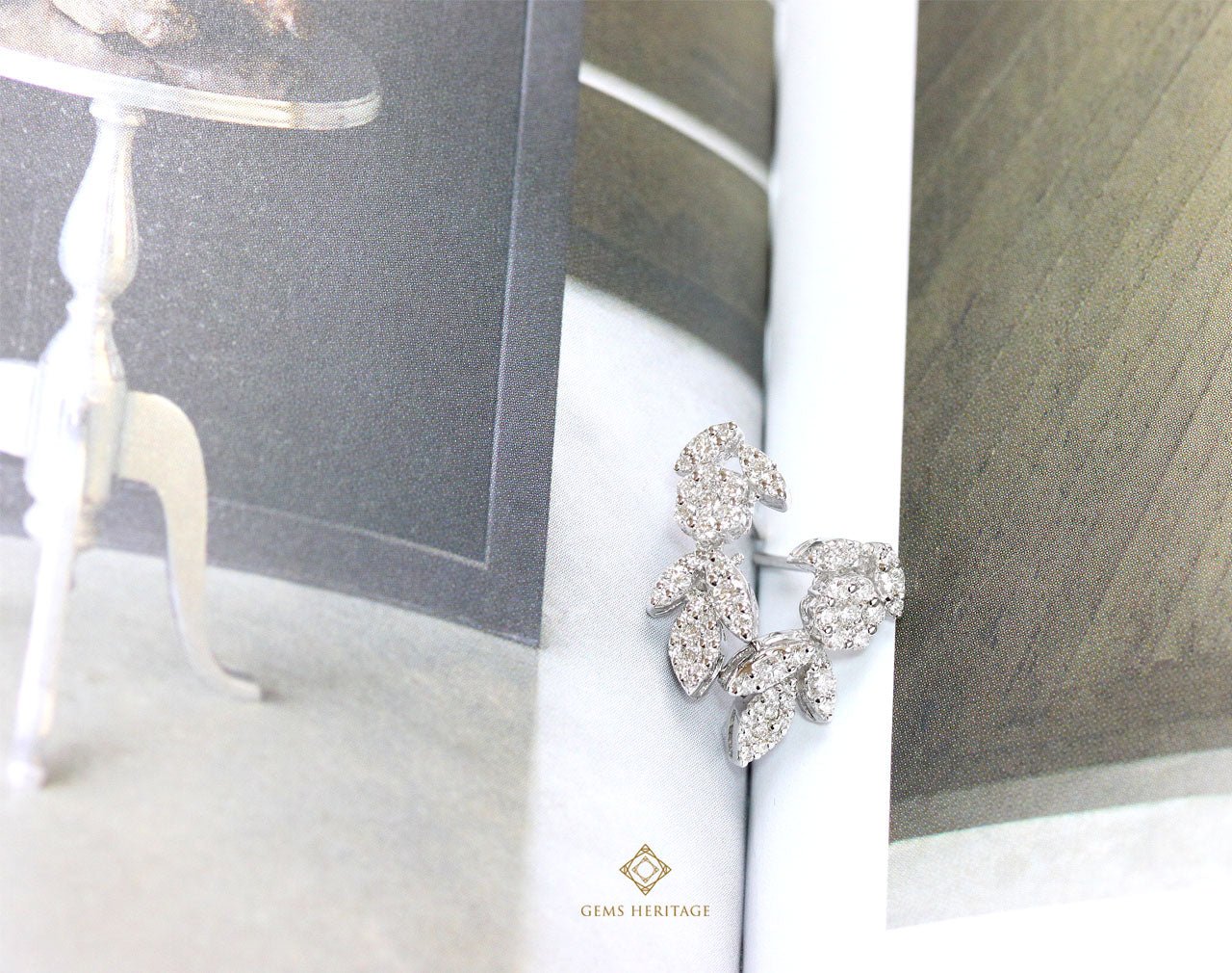 Flower's petal diamond earrings